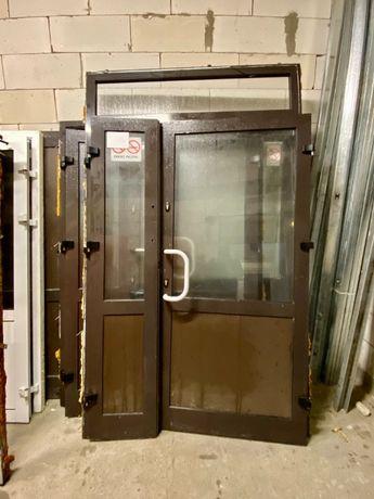 Używane drzwi aluminiowe z naświetlem BRĄZOWE 147X246