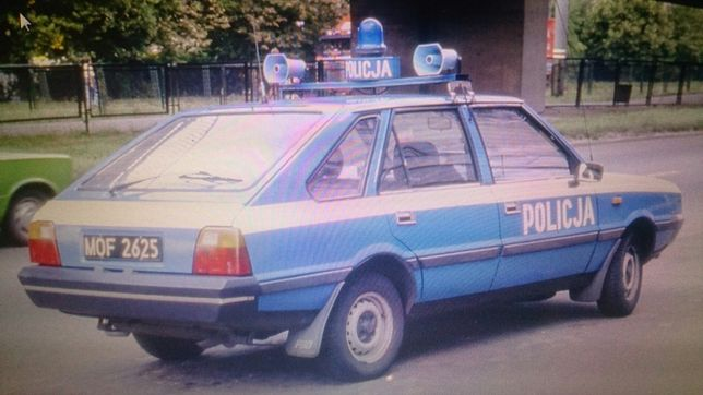 Polonez policja milicja radiowóz mo zomo papier