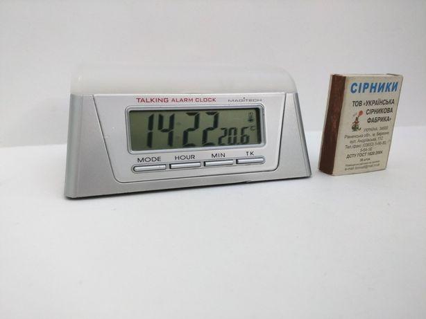 Говорящие (английский) часы, будильник, подсветка, термометр.