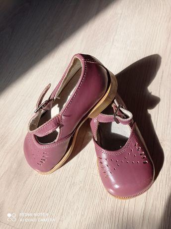 Туфельки для девочки (15 р.), б/у, натуральная кожа .