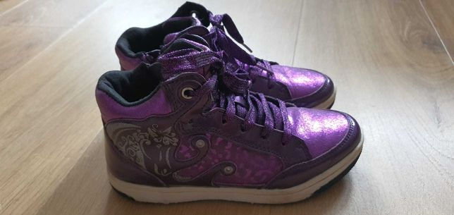 Buty skórzane Geox, świecące diody z boku, rozm.32