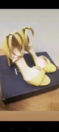 Limonkowe szpilki sandały