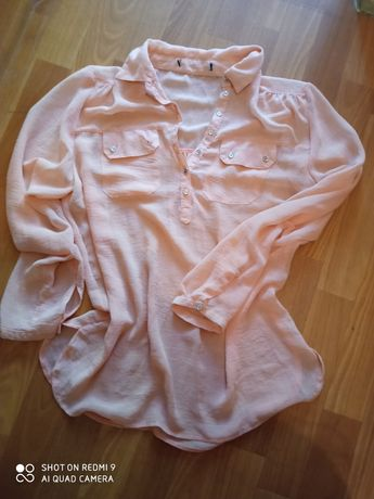 Bluzeczka lekka, zwiewna .