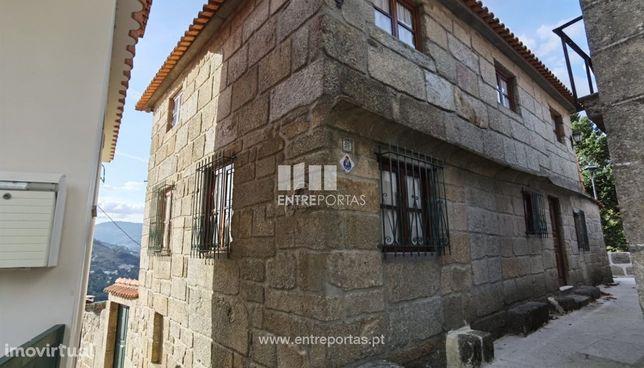 Venda Moradia V4 em pedra c/ vistas sobre o Rio Douro, Oliveira do Dou