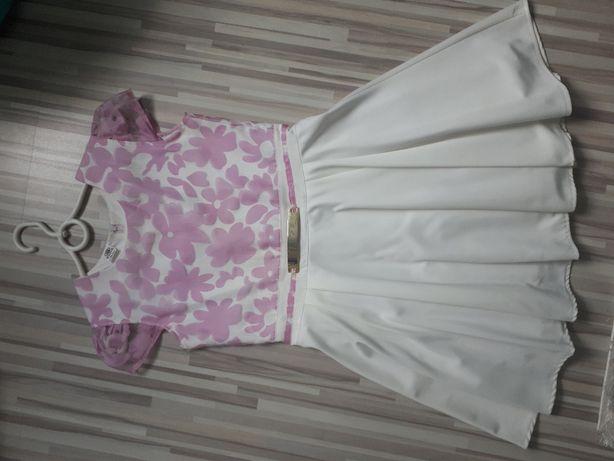 Biała rozkloszowana sukienka rozm. 152-158