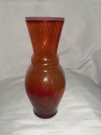 Радянська колекційна ваза з червоного скла, 21 см