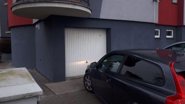 Wynajmę garaż + miejsce parkingowe - N. Skalmierzyce/Kalisz