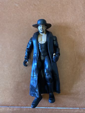 Figuras Wwe Undertaker e Hornswoggle