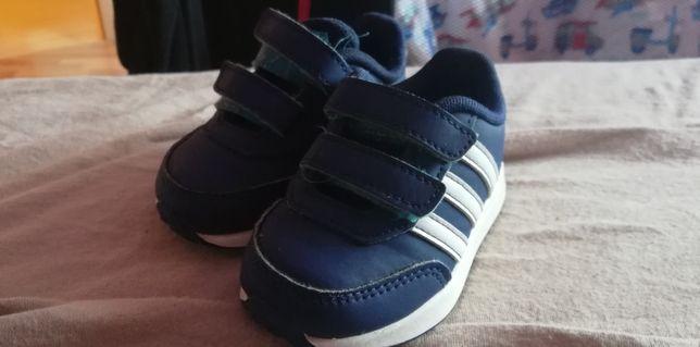 Adidas chłopiec, rozmiar 21