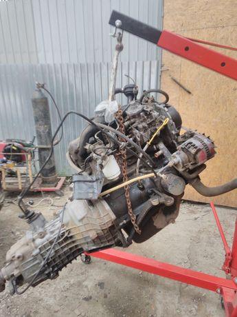 Кран для вытаскивания двигателей