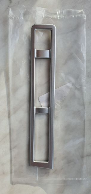 Ramka listwa ozdobna Peugeot 3008 II