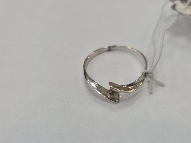 Klasyczny złoty pierścionek damski/ 585/ 1.08 gram/ R11/ Cyrkonia