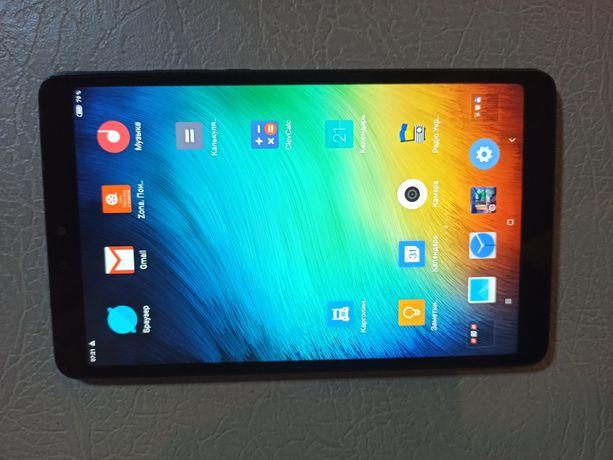Продам планшет Xiaomi mi pad 4  4/64 оригінальгий без LTE