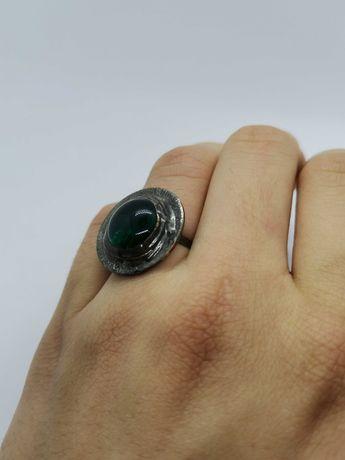 pierścionek z metaloplastyki z kamieniem półszlachetnym Eremit
