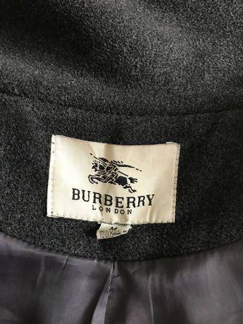 Продам пальто Burberry
