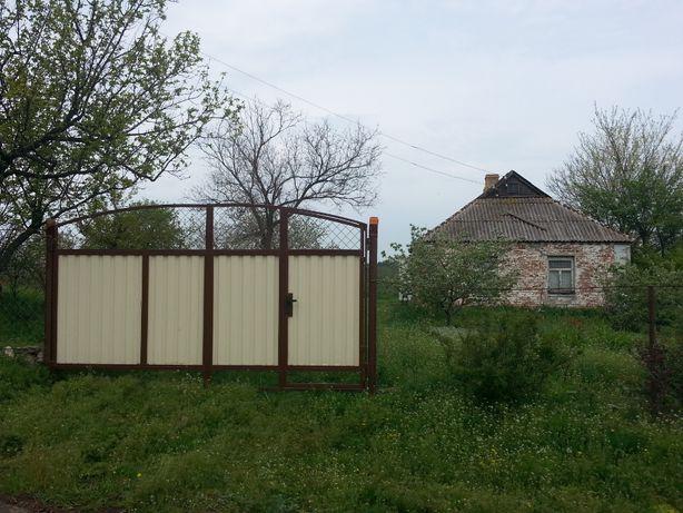 Земельный участок с домом в с. Новоселовка Днепропетровской обл