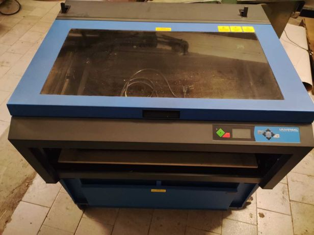 Maquina corte laser de radio frequencia Universal  System PLS6.150d