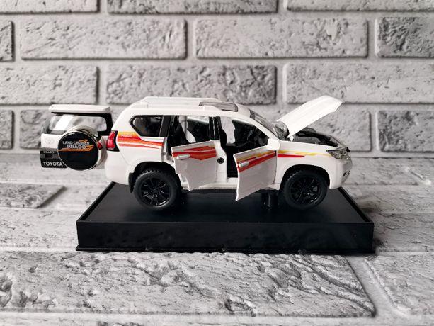 Коллекционная машинка металл Toyota Land Cruiser Prado (Тойота Прадо)