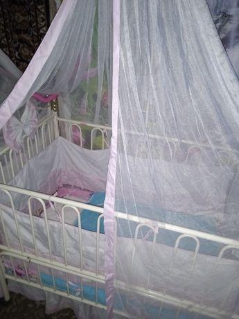 СРОЧНО!Продам кроватку для девочки