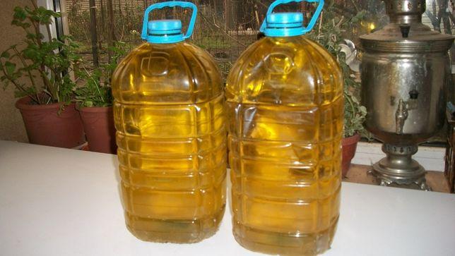 Сыродавленное домашнее подсолнечное масло холодного первого отжима.