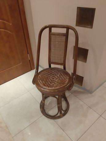 Krzesło fotel rattan obrotowy prl vintage kolonialny wzór używany brąz