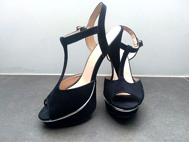 Szpilki, sandałki z paskami, platforma Jennifer, czarne rozm. 38