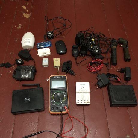 Модемы, роутер, зарядки, провода