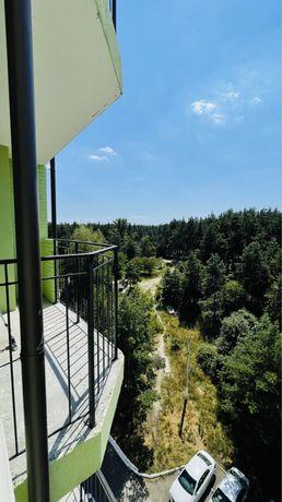 Продам квартиру  с ремонтом и балконом ! Видовая! С окон лес!