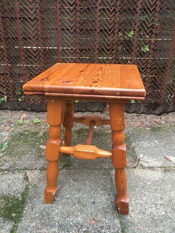 Stół drewniany plus 4 stołki taborety drewniane