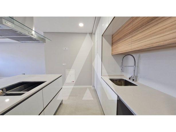 Apartamento T3 Duplex com sala de 50 mt2