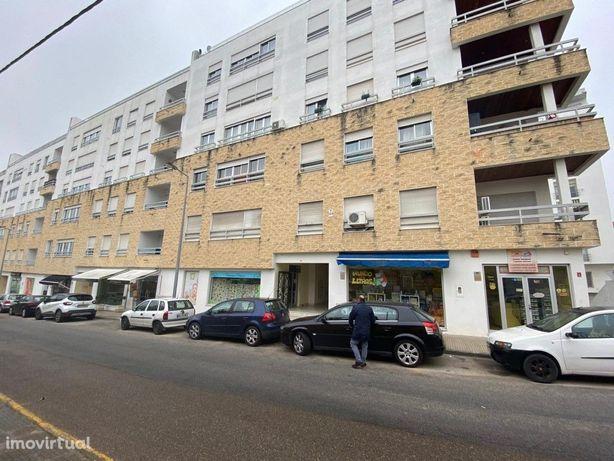 Vende-se Apartamento em Elvas.