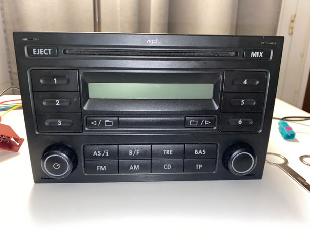 Radioodtwarzacz VW MP3 model RCD200 2 DIN + dodatki