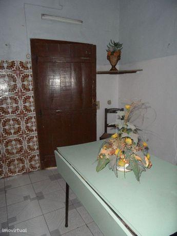 Moradia Habitavel No Torrão - Alentejo