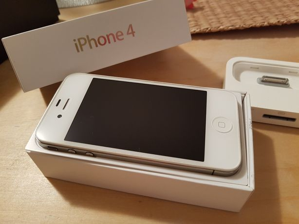 iPhone 4 + dodatkowa ładowarka