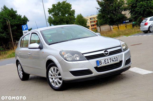 Opel Astra sprowadzony stan bdb opłacona akcyza