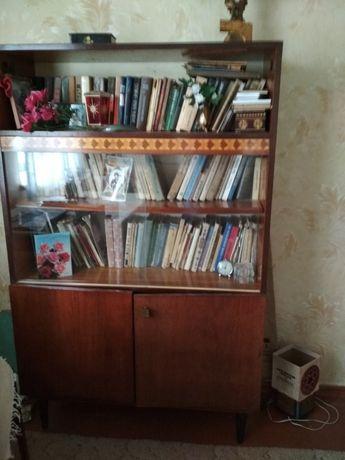 Шкаф книжный б/у