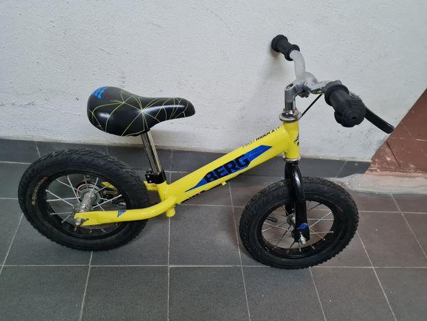 Bicicleta sem rodas berg