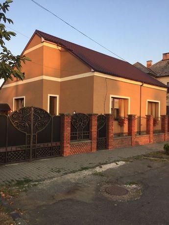 Два дома одного хозяина в одном дворе