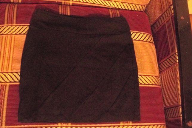 Черная обтягивающая юбка на школьницу,44-46 размер