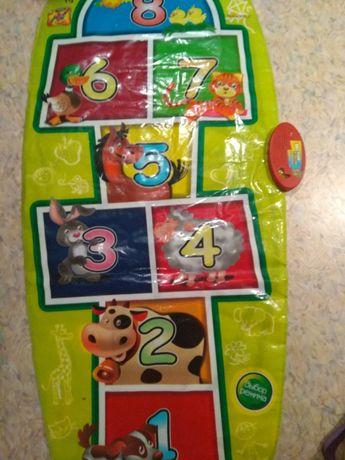 Продам напольную игру - детские классики