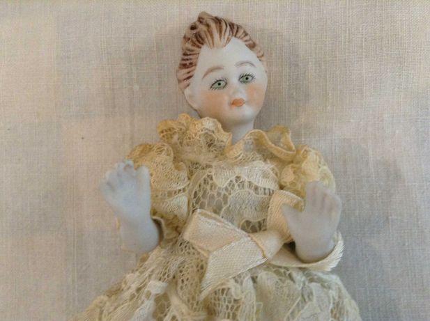 Boneca em Biscuit da marca Portuguesa ALDA - Porcelana antiga