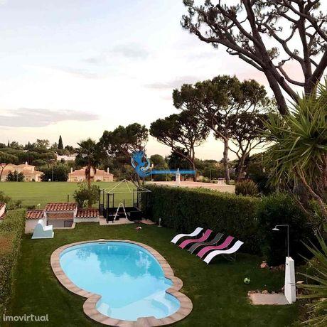 Moradia V3 com terreno e piscina privada em Vilamoura