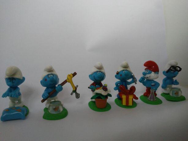 Sprzedam kolekcję figurek Smerfów.