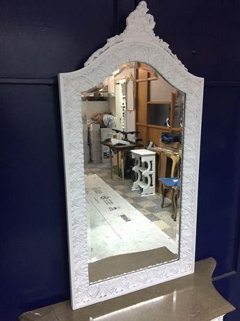 Espelho estilo antigo restaurado