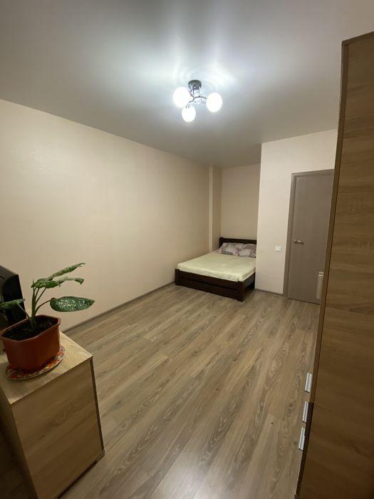 Сдам посуточно (почасово) свою 1 комнатную квартиру. Ж.К. 7 небо. 7км-1