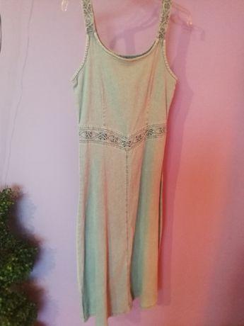 Długa, jeansowa sukienka