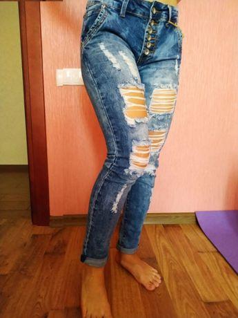Синие рваные джинсы-бойфренды boyfriend на рост 158-165