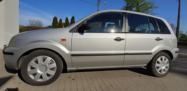 Ford Fusion 2005 z gazem i hakiem,klimatyzacja