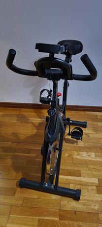 Bicicleta de Spinning Nova