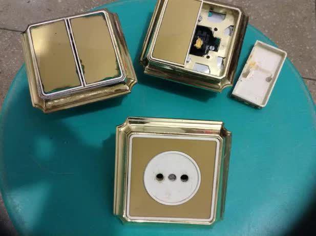 Продам золотые выключатели.